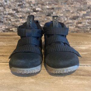 Nike LEBRON SOLDIER XI 11 Toddler Boys Size 6C